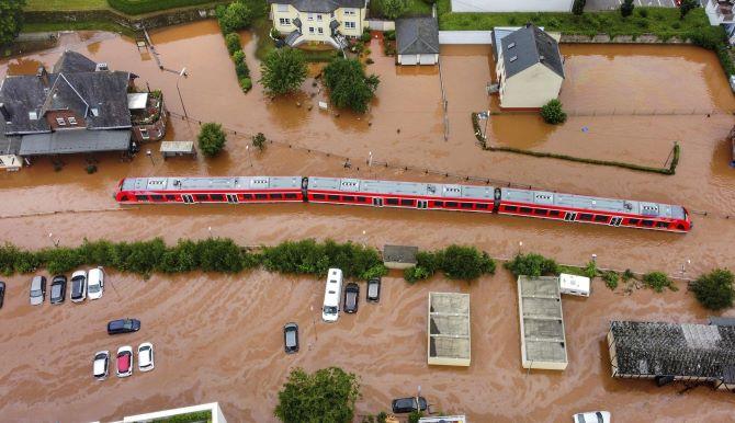 A szélsőséges európai esőzések a klímaváltozás következményei lehetnek