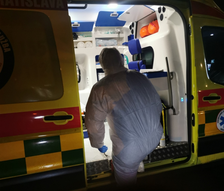 Nincs életveszélyben a két szlovákiai férfi, aki koronavírus-fertőzés gyanújával ment kórházba