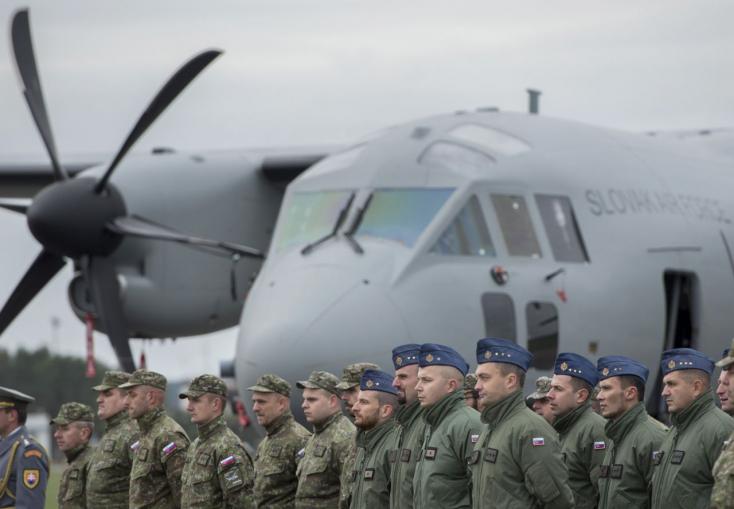 10 euróval nyerte el a Smer-közeli cég az új katonai gépek hangárjának projektjét