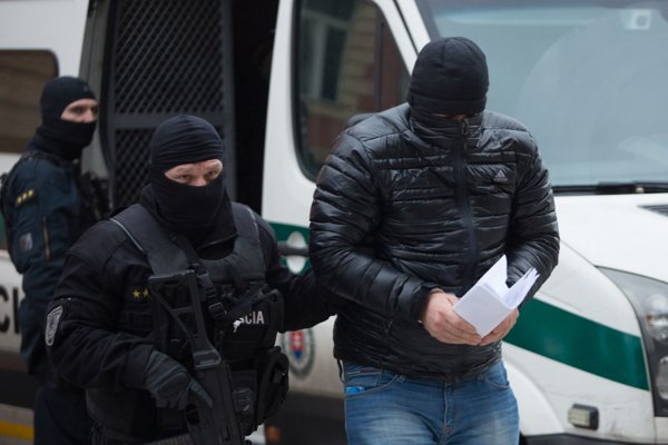 A Takáč-klán dunaszerdahelyi tagja beismerte, védelmi pénzt szedett a Csallóközben