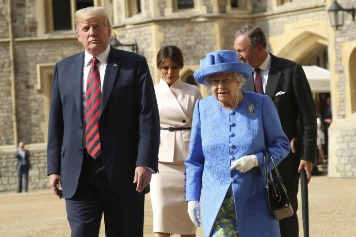 Megérkezett Londonba az amerikai elnök