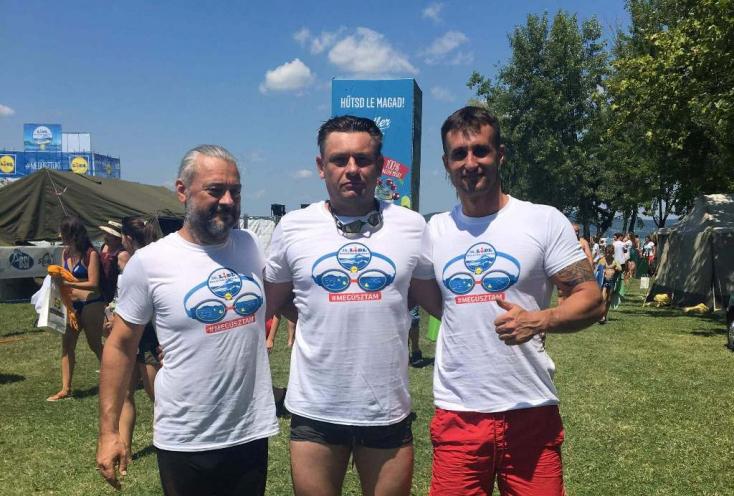 Egy csallóközi testvérpár is átúszta a Balatont remek időeredménnyel