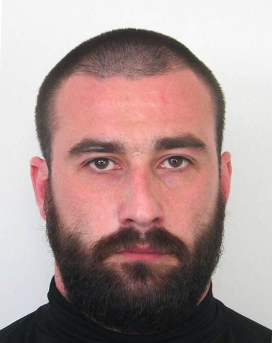 Rendkívüli körözés: ezt a veszélyes férfit keresi a rendőrség