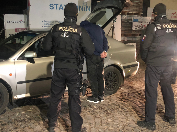 Fiatal dílerre csaptak le a rendőrök, injekciós tűket találtak a kocsijában