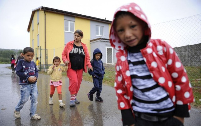 A csehországi romák fele a társadalom peremén él