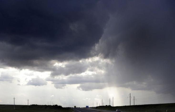 Melegszik az idő a jövő héten, de a zivatarok nem tágítanak