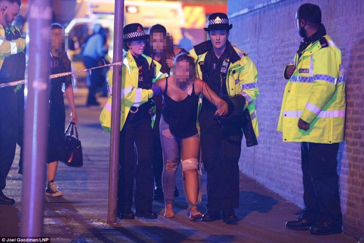 Pokolgép robbant a manchesteri koncerten, legalább 22 halott