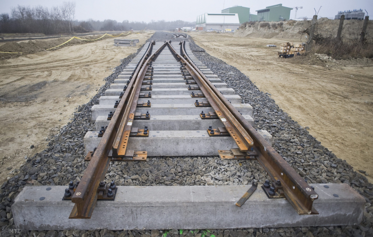 Széles nyomtávú vasút megépítéséről is tárgyalt Pellegrini
