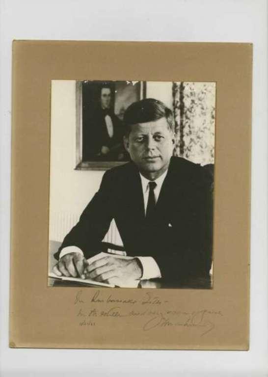 Eladó John F. Kennedy utolsó, Fehér Házban aláírt dokumentuma