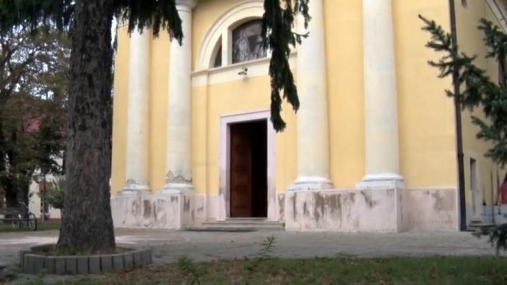 Már semmi sem szent?! Fel akartak gyújtani egy templomot (FOTÓK)