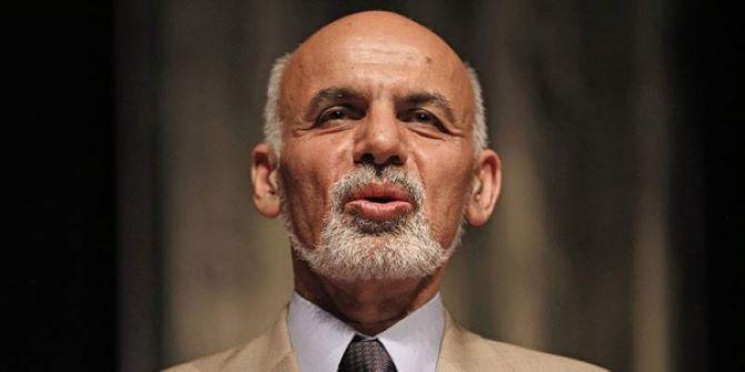 Beiktatták elnöki hivatalába Asraf Gánit Afganisztánban, felesküdött a riválisa is, a ceremónia alatt két robbanás történt