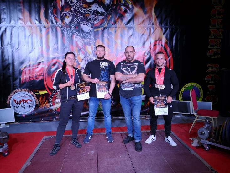 Éremesővel tértek haza az Sk Strongman Club tagjai az erőemelő bajnokságról