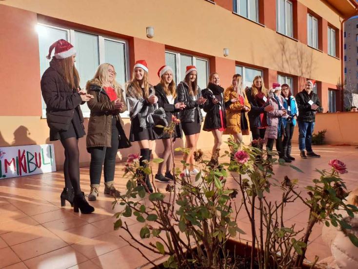 Mikulás-napot tartottak a Neratovicei téri szakközépiskolában