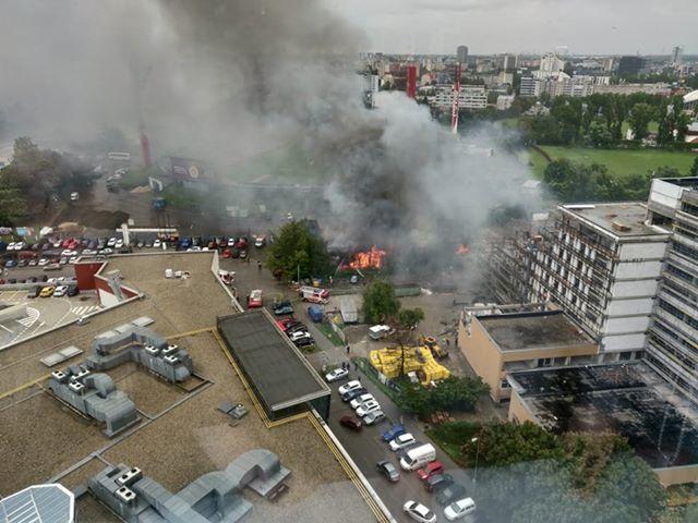 Óriási lángok csaptak fel a pozsonyi Pasienky stadionnál!