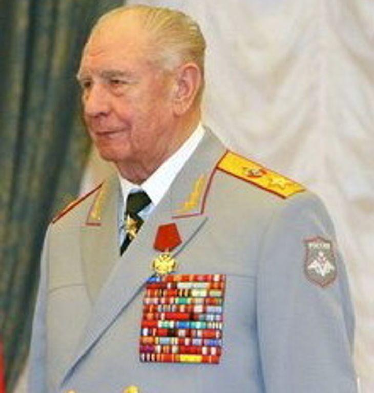 Elhunyt az utolsó szovjet védelmi miniszter, a Gorbacsov elleni puccs kulcsembere