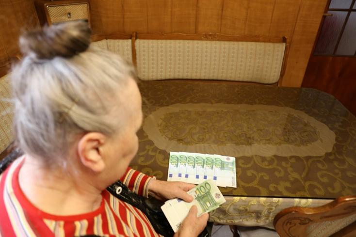Nem hagyta magát átejteni a nyugdíjas asszony, négyezer eurót akart tőle a csaló