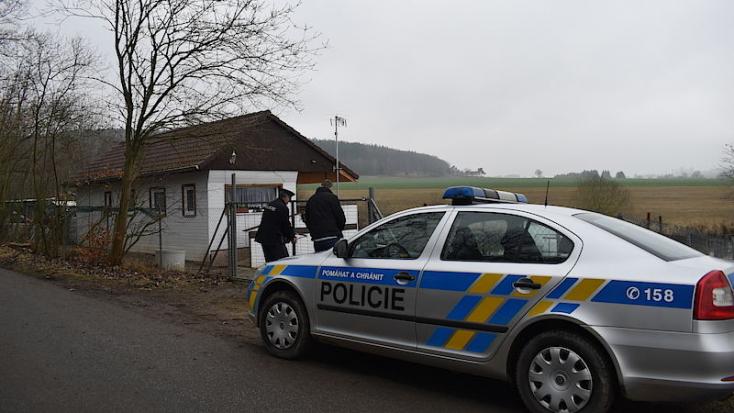 A románok kiadták Csehországnak a kettős gyilkossággal gyanúsított szlovák párost