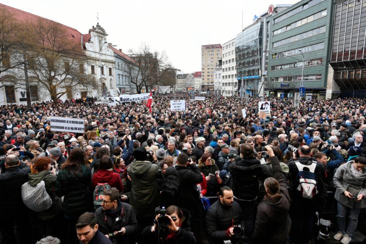 A bársonyos forradalom terévé válna a pozsonyi Sznf tér