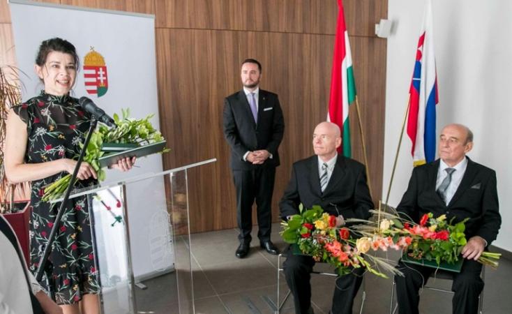 Szlovákiai magyarokat tüntettek ki a nemzeti ünnep alkalmából Magyarország pozsonyi nagykövetségén