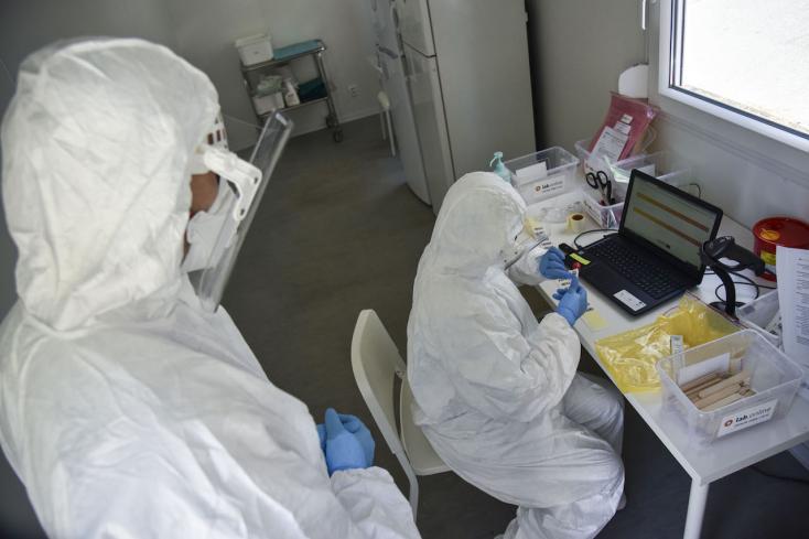 Emelkedett a halottak, csökkent az új fertőzöttek száma Olaszországban