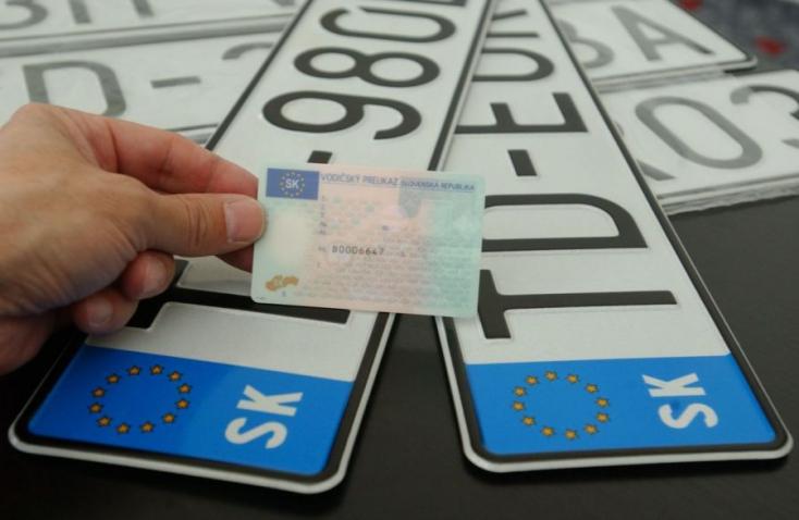 Pozsony után hamarosan a Dunaszerdahelyi járásnak is új betűjele lehet a rendszámtáblán