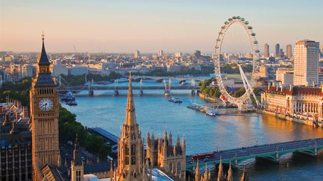 Nem elég a Brexit, egy 250 méteres zsírhegy is akadályozza Londont