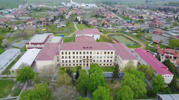 61 év után megszűnt a nagymegyeri magyar gimnázium