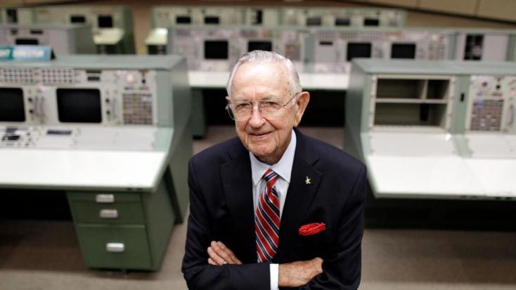 Meghalt 95 éves korában a NASA első repülési igazgatója