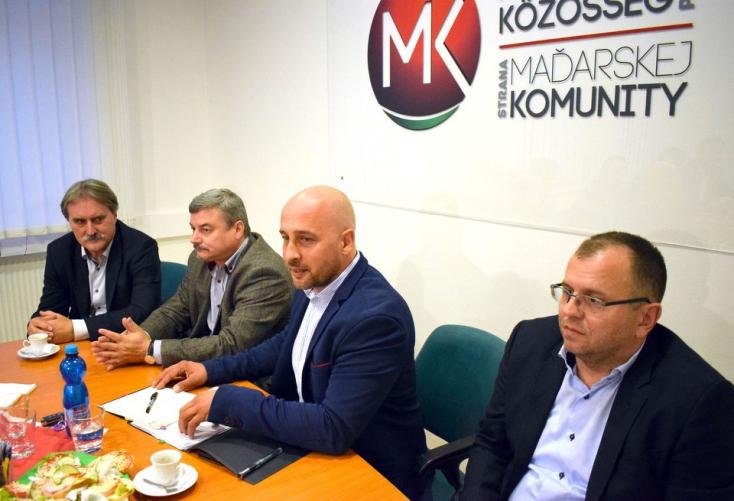 A hét végén dönthetnek a közös indulásról a parlamenten kívüli magyar pártok