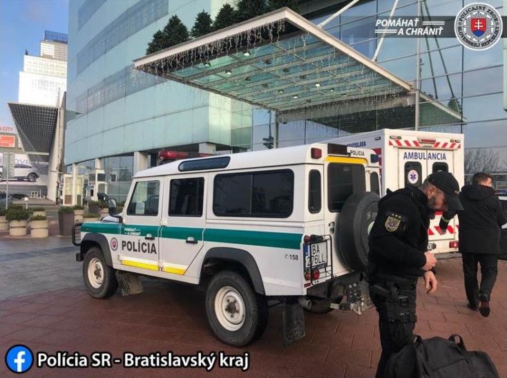 Evakuálták a pozsonyi Auparkot – egy férfi bombával fenyegetőzött