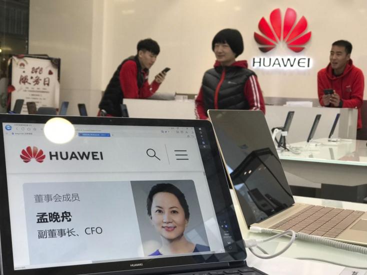 Letartóztatták a Huawei globális pénzügyi igazgatóját