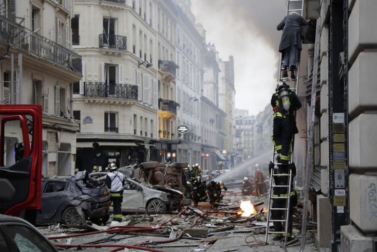 Halálos áldozatai is vannak a párizsi gázrobbanásnak! (VIDEÓ)