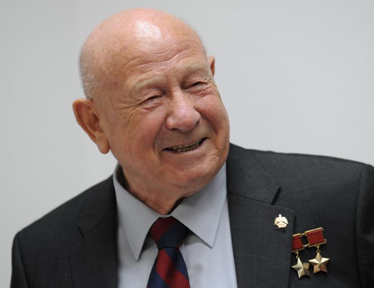 Elhunyt az első űrhajós, aki kilépett a világűrbe