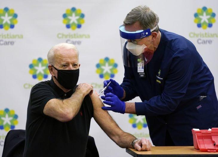 Joe Biden új oltóközpontok létrehozását, a vakcináció felgyorsítását tervezi