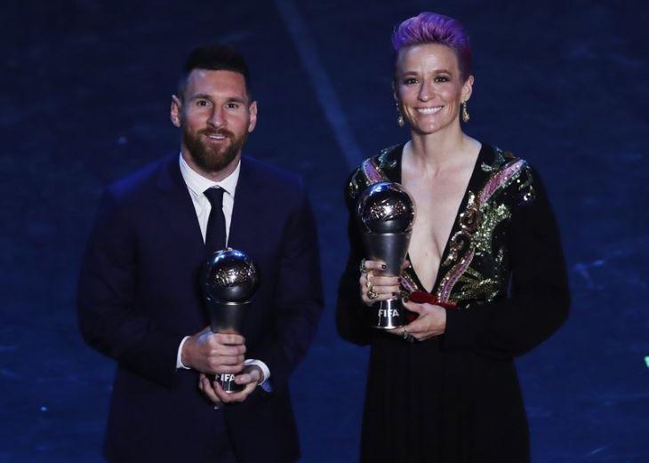 A FIFA vizsgálja, hogyan díjazhatná a legjobbakat