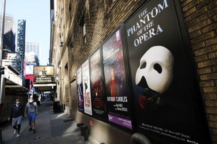 Szeptemberben nyitnak a Broadway színházai