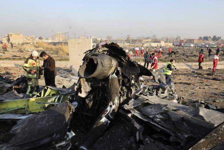 Irán szerint nem érte rakétatalálat az ukrán gépet