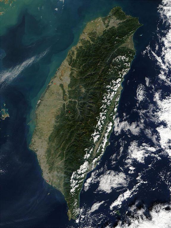 Tajvan és Kína egyesítését sürgette a kínai védelmi miniszter