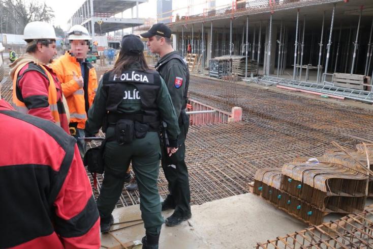 Feketemunkásokra csaptak le a rendőrök, az eredmény: 16 kitoloncolás (FOTÓK, VIDEÓ)