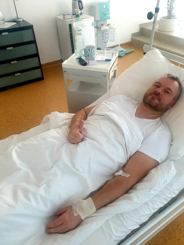 Saját kérésére elhagyta a kórházat a miniszterelnök