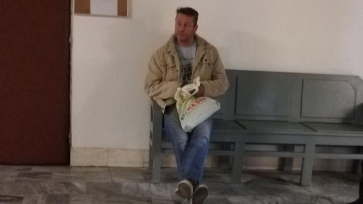 Elítélték a helyi képviselőt, aki részegen balhézott a szavazóurnával!