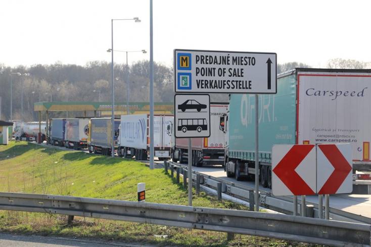 Magyarország korlátozza a kamionok belépését és áthaladását, dugókkal kell számolni Szlovákiában is