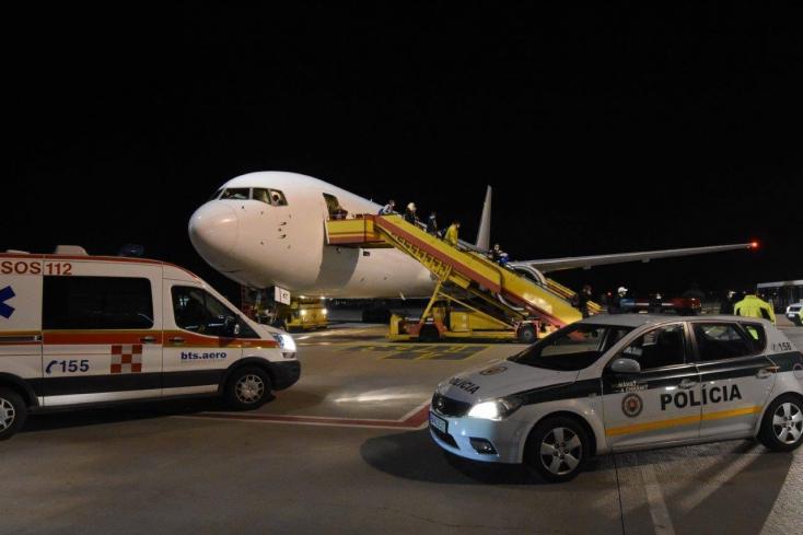 Szlovák különjárattal szállítottak magyar és szlovák állampolgárokat az Egyesült Államokból Pozsonyba (FOTÓK)