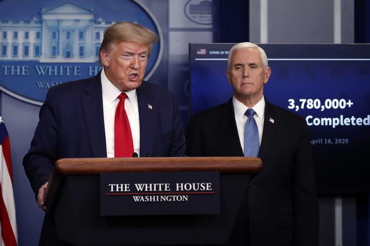 Trump szerint hamarosan lesz oltóanyag, Pence a nyárra jósolja a járvány végét