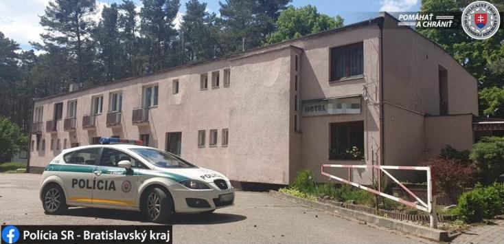 Elugrott a karanténközpontból egy kis alkoholért a fiatal férfi, alaposan ráfázott