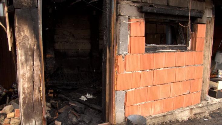 Tűz ütött ki a nyári konyhában, halálra égett egy férfi