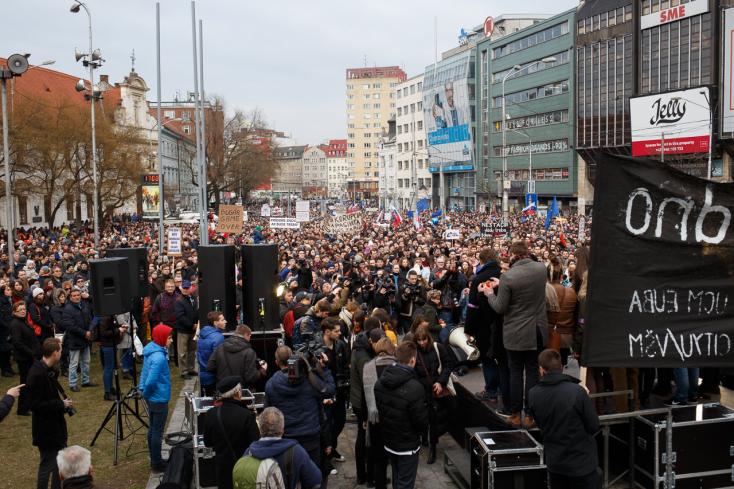 Drucker továbbra sem döntött, Gašpar nem távozik – vasárnap újra utcára vonulnak az emberek