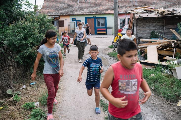 """""""Nehéz itt az élet, igen nehéz"""" – borzalmas körülmények közt él több mint 60 ember a várkonyi romatelepen"""