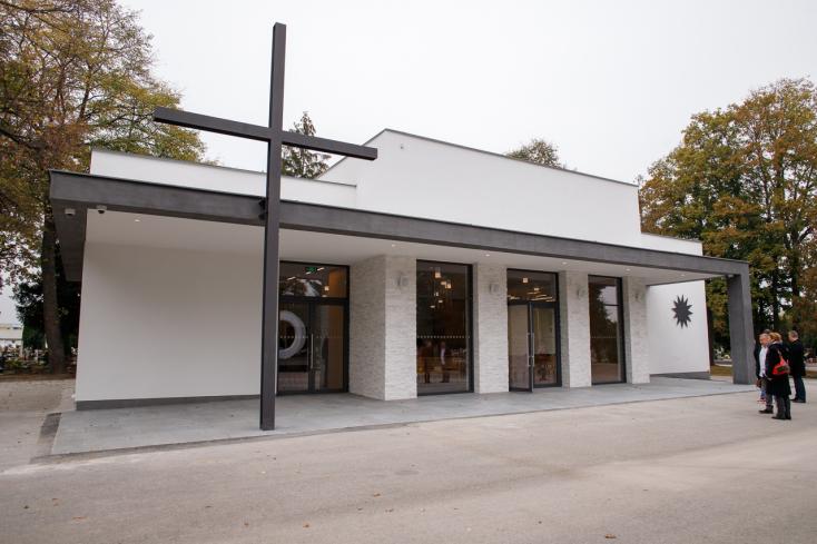 505 ezer euróból újult meg a dunaszerdahelyi temető ravatalozója