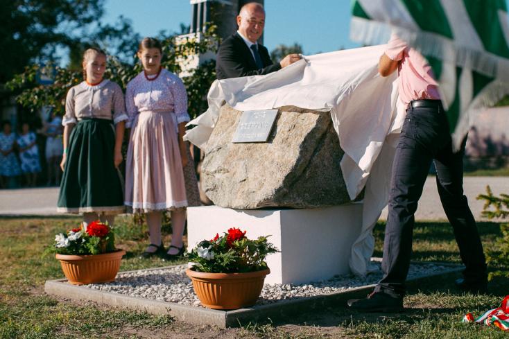 Emlékművet avattak Cséfalva írásos említésének 670. évfordulója alkalmából